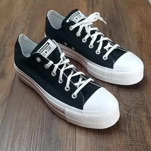 Converse Women's Chuck Taylor All Star Lift Love